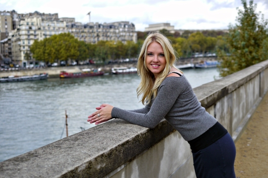 Natalie Grinnell travel blog left bank paris